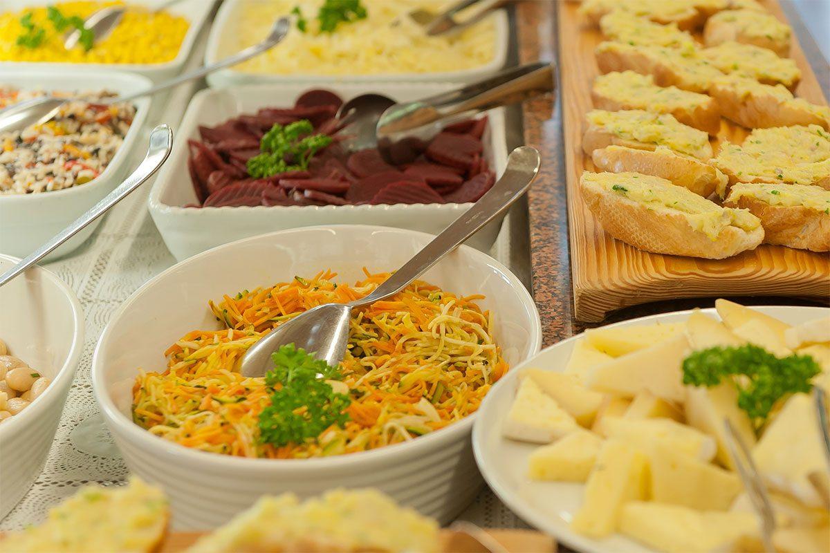 Buffet di insalata